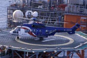 Un grand nombre d'AS332 (et ses dérivés) est affecté à des missions offshore sur les plates-formes pétrolières.