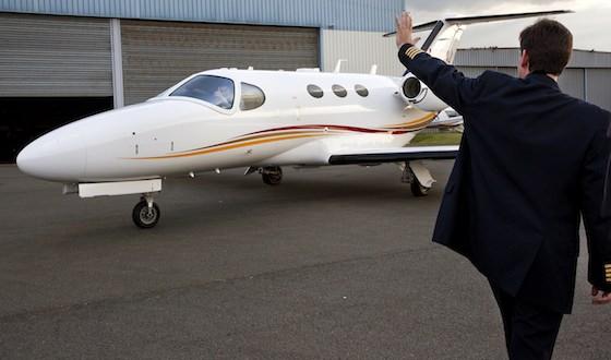 Flymyjets,...</p></noscript>    <div class=