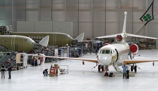 Les ventes de Falcon pèsent pour 77% dans le chiffre d'affaires 2010 de Dassault Aviation