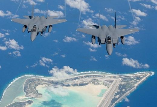 La livraison du premier des 84 F-15 SA...</p></noscript>    <div class=