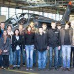 Les 22 élèves de la classe de BIA de l'aéro-club de Sologne en visite sur la base aérienne BA705 de Tours.