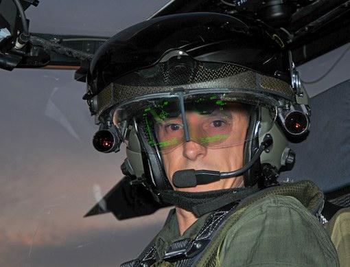 La casque TopOwl de Thales à bord de l'hélicoptère Tigre