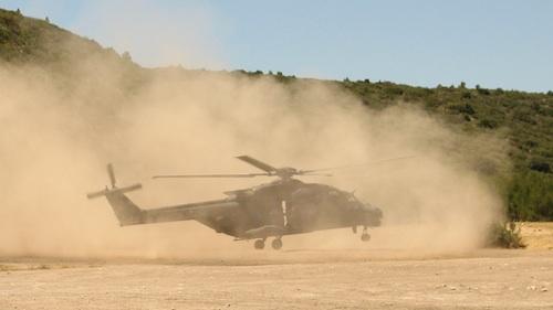Des filtres à sable ont été montés sur les NH90 italiens en partance pour l'Afghanistan