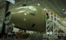 L'assemblage de premier véhicule d'essai (FTV1) de l'avion CSeries fait à l'établissement de Bombardier à Mirabel (Québec).