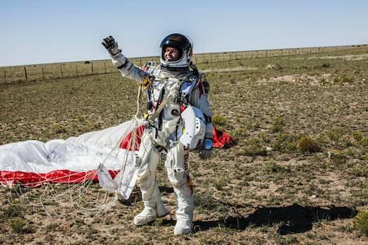 Baumgartner, le premier homme à revenir de l'espace… à pied !