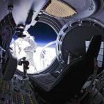 Baumgartner vient de s'extirper de sa capsule. Il est prêt à sauter…