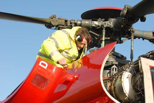 Sur les Eurocopter AS332 (photo), l'arbre de transmission incriminé peut être remplacé par un arbre de conception plus ancienne.