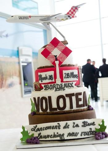 L'ouverture de la base Volotea à Bordeaux valait bien un gâteau…