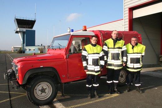 Danny, Eddy et Didier, les trois pompiers de l'aérodrome de Merville, tout comme les deux contrôleurs du terrain, attendent avec inquiétude le verdict de la cour d'appel de Douai