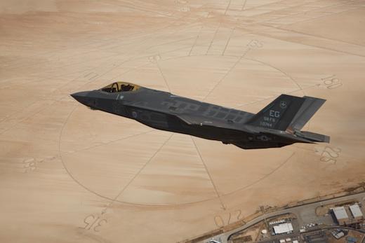 Les retards et les problèmes s'accumulent pour Lockheed Martin avec le F-35 JSF
