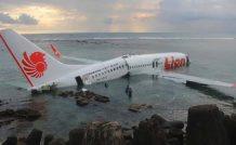 Le 737-800 de Lion Air, échoué près de l'aéroport de Denpasar, sur l'île indonésienne de Bali