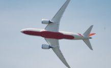 Au Bourget, Boeing présentait pour la première fois en vol son 787 Dreamliner