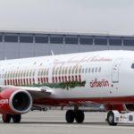 2. Le 737-800 d'Airbelin aux couleurs de Noël