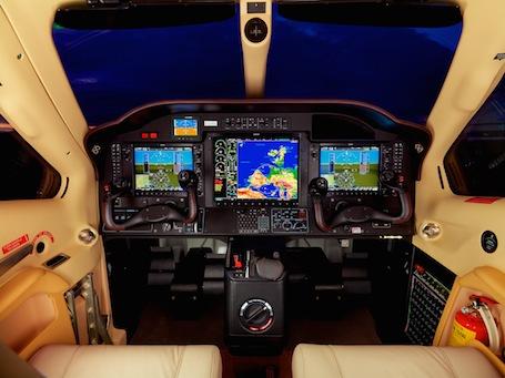 Le TBM900 conserve la suite avionique Garmin G1000 du TBM850