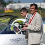 Francis Deborde, le gérant d'ACS (Aéronautique Composites Saintonge), constructeur du prototype de l'E-Fan.