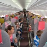 Les élèves de CM2 à bord du Boeing 717 de Volotea