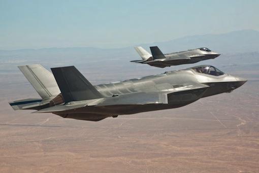2. Le Canada a retenu le F-35 sans lancer d'appel d'offres