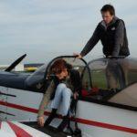 2. L'accessibilité à bord du Cap 10 demande une excellente condition physique et beaucoup de souplesse pour le pilote paraplégique