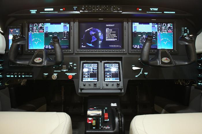 Le Piper M600 est le premier turbopropulseur a adopter la suite avionique tactile G3000 de Garmin