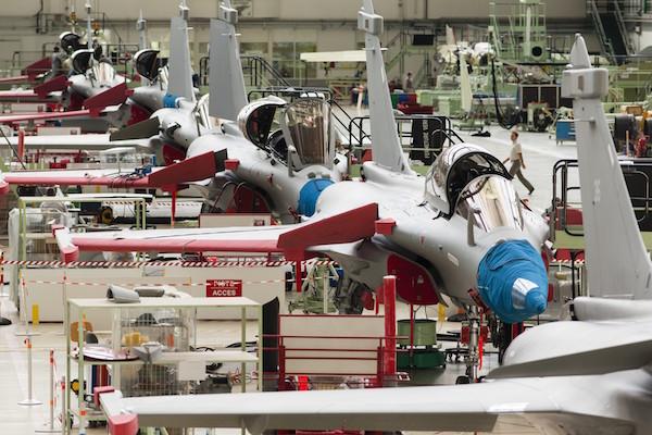 Cette deuxième commande Export passée par l'Inde est une bouffée d'oxygène pour la filière aéronautique de Défense malmenée par la Loi de programmation militaire