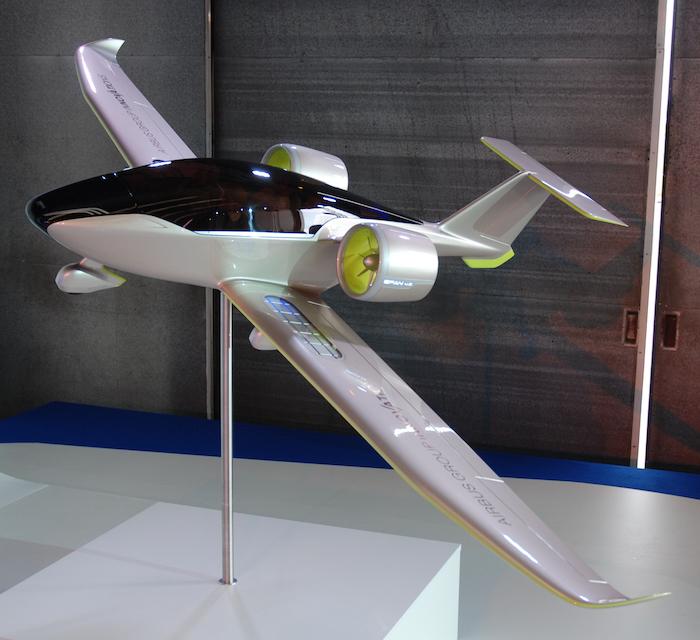 L'E-Fan 4.0, version quadriplace de l'avion léger électrique développé par Airbus dans le cadre du projet Voltair