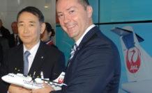 Arata Yasujima, Président de Japan Air Commuter, Patrick de Castelbajac, Président Exécutif d'ATR.