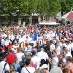 Bain de foule pour les 59 pilotes qui vont se disputer le titre de champion du monde 2015 de voltige