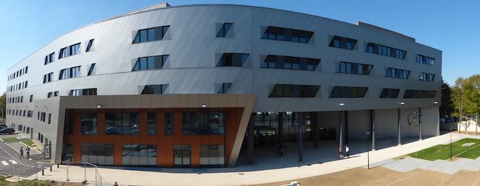 L'ESTACA est implantée sur deux sites : Saint-Quentin-en-Yvelines (ci-dessus) et Laval.