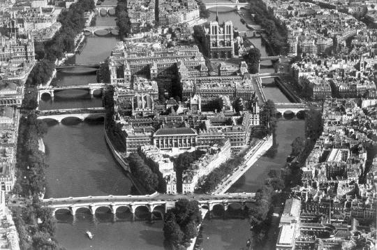 L'ïle de la Cité photographiée dans les années cinquante par Roger Henrard