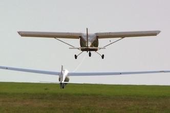 Aeroprakt A22 remorqueur
