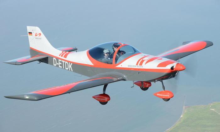 En croisière (75%), le Breezer B600 LSA vole a 195 km/h et offre une distance de franchissement de 800 km environ