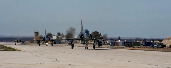 Dédié à la mission de dissuasion nucléaire lorsqu'il est porteur du missile ASMP-A (Air Sol Moyenne Portée – Amélioré), le Mirage 2000N est également en mesure de contribuer aux missions conventionnelles d'appui au sol ou de frappe sur objectif géolocalisé.