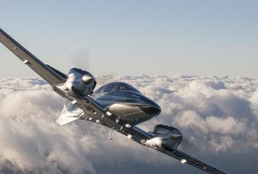En 2015, Diamond Aircraft a débuté les livraisons de son prometteur DA62 qui devrait rapidement bousculer la hiérarchie des ventes mondiales de bimoteurs à piston