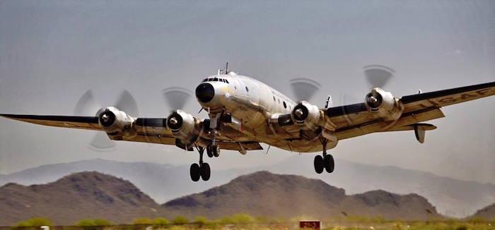 Les mécaniciens de Dynamic Aviation et des bénévoles de Mid America Flight Museum ont remis en état de vol le Constellation utilisé par le président Dwight Eisenhower comme premier Air Force One