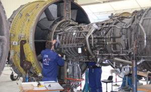 Les 600 apprentis que forment chaque année le CFA des Métiers de l'Aérien, sont en alternance chez Air France, l'autre moitié, le sont dans 125 entreprises différentes