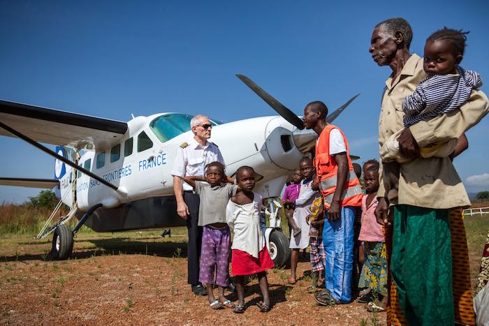 Depuis 1980, Aviation Sans Frontières met les moyens et les compétences du monde aéronautique au service de l'humanitaire