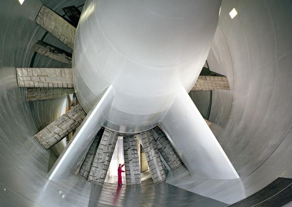 Les pâles des ventilateurs qui génèrent le flux d'air à l'intérieur de la grande soufflerie S1MA de Modane datent de la construction en 1947. Le temps est venu de les remplacer.