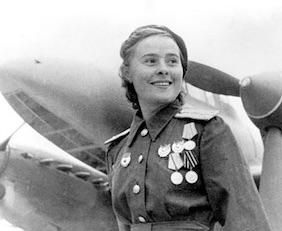 Mariya Dolina, commandant d'un escadron de bombardier en piqué.