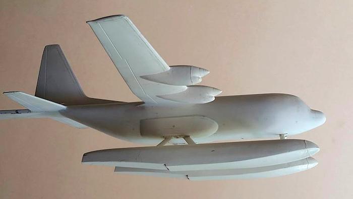 Un C130 Hercules sur flotteurs…