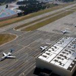 Avec de nombreux hangars avions et un terminal passagers dédié, l'aéroport du Castellet offre des services haut de gamme personnalisés, destinés à une clientèle d'affaires et VIP.
