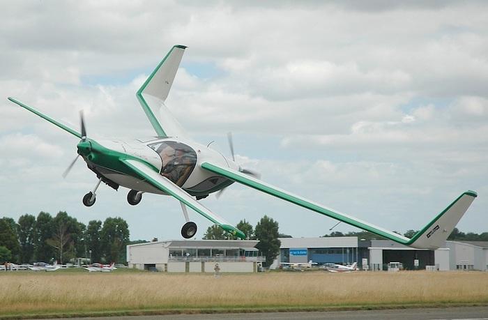 Eulair annonce que le prototype du Twin 2 sera présenté au salon de l'ULM à Blois les 27 et 28 août 2016.