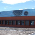 Sur 4.200 m2, Polyaero regroupe 4 salles de cours de 32 places, un amphitéâtre de 100 places, une salle informatique, un hangar de 700 m2 et plusieurs laboratoires avec moyens d'essais.