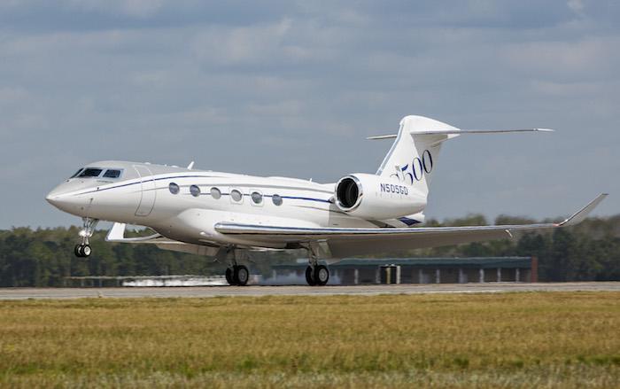 Gulfstream+G500+Production+Test+Aircraft+Makes+First+Flight - copie