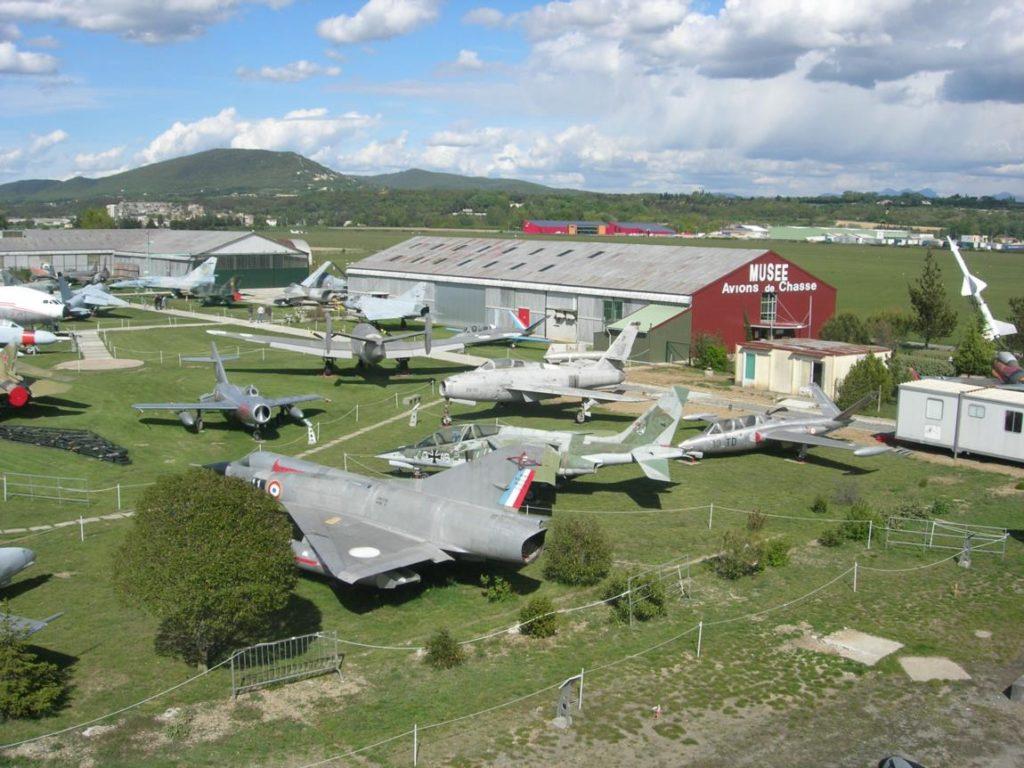 Si une majorité des appareils provient des réserves de l'Armée de l'Air, de la Marine, ou de collectionneurs privés, quelques appareils remarquables sont issus d'autres forces aériennes Européennes ou des pays de l'Est.