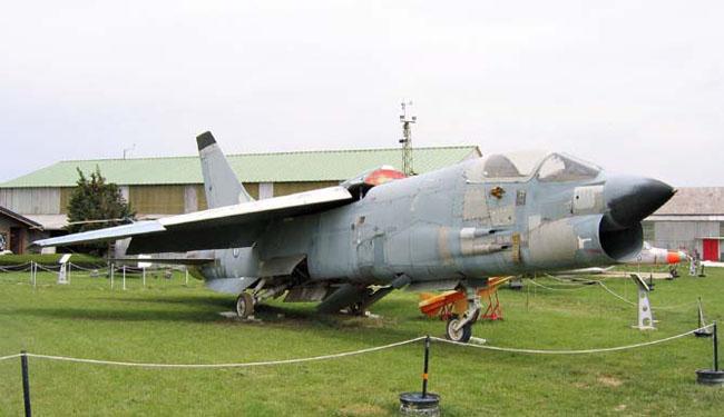 Ce F8F Crusader, réformé en 1998 a volé au sein des flottilles 12 F et 14 F stationnées à Landivisiau.