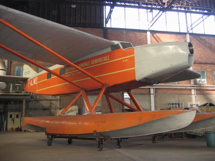 L'Hydravion Latécoère 28. En 1930, Jean Mermoz effectua la traversée de l'Atlantique du Sud (de Saint Lois à Natal) en 21h à bord d'un Laté 28 hydravion.