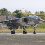 Jaguar E02, le second prototype du Jaguar. Utilisé pendant plusieurs années par le Sirpa sous des couleurs de la 7ème escadre de chasse, avec un code fantaisiste « E1 »
