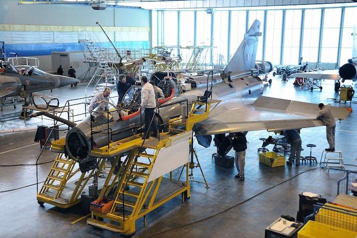 Atelier de modernisation de la flotte Mirage 2000 indienne, au centre d'essais en vol d'Istres. © Dassault Aviation