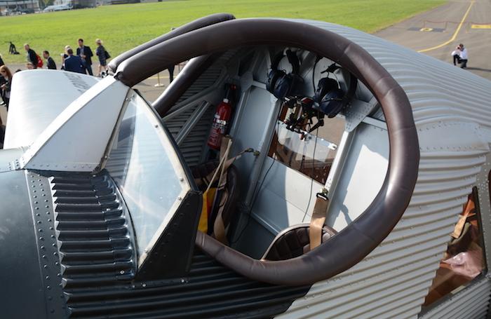 f13-cockpit-photo-vkt_1054