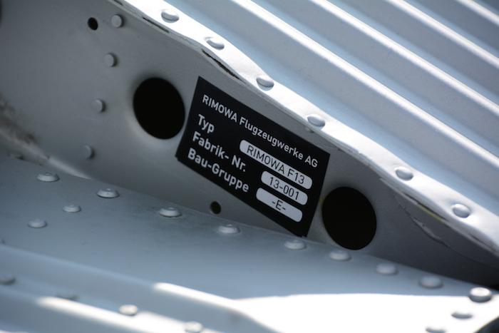 f13-plaque-d-identification-photo-vkt_1056